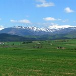 The beautiful Low Tatras and the Nationalpark Muranska Planina are nearby.