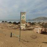 strand van het hotel (entree 12)