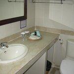 Spacious bathroom counter