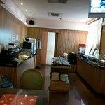 The small restaurant that serves buffet breakfast