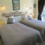 Aynsome as 2 king single beds