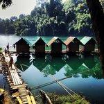 Photo de Ton Tuey Floating Raft Houses