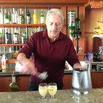 Julien, Barman