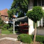 La terrase du restaurant et le jardin