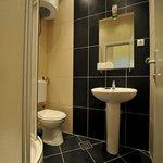 Quadruple room  bathroom