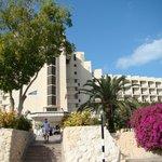 Jebel Ali Beach Hotel från framsidan