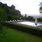 moderna piscina com vista espetacular