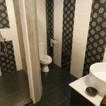 Room 106  Separate shower & toilet