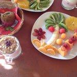 Salade de fruit et yaourt à la fraise