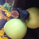 Fresh fig, prosciutto, Brie, local organic apple,blue cheese and balsamic reduction panini.....W