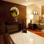 Regency suite foyer