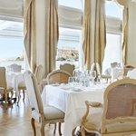 Tudor Hall Restaurant Lounge