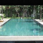 piscine côté villas
