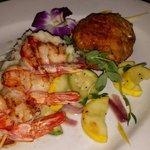 Shrimp&crabcake and veggies! Yum!