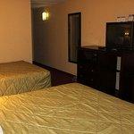 Magnuson Hotel Florence Room