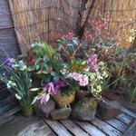 露天風呂に飾られていた花