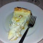 torta ricotta di bufala,mele e pinoli