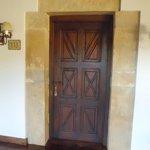 Puerta entrada habitación 113