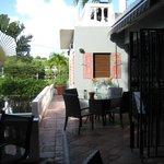 breakfast terrace area