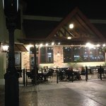 Romano's Maccaroni Grill - Outside Area