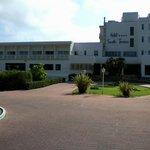 Hotel Santo Tomas Vorderansicht links