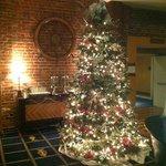 Maritim geschmückter Weihnachtsbaum