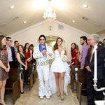 Elvis e a Futura Sra. na Victorian Chapel