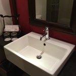 nice bathroom fixtures