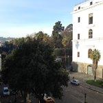 вид из номера на улицу Foria и ботанический сад