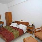 serifos hotel asteri twin room