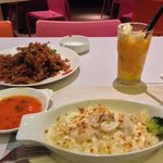 oyster omelette and seafood mushroom baked rice with mango king