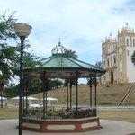 Vista do monumento + igreja
