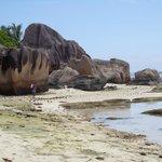 Granitklipporna på La Digues sydsida