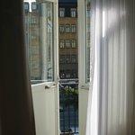 Выход на балкон из номера