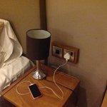 bedside lamp doesnt work and socket behind table doesnt work