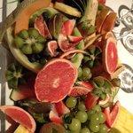 plateau de fruits pour accompagner fromages