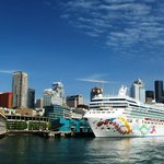 Edgewater Hotel, waterfront + cruise ship, photo by Mike Keenan