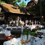 Eine wuntervolle Hochzeitsfeier ganz im Freien August 2013
