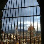 Scorcio del Duomo dai camminamenti di Ronda di Palazzo Vecchio a Firenze