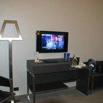 tv y lamparas modernas