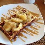 carmalised apple waffle is good