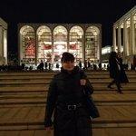 Прекрасное здание Метрополитен опера