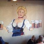 Auslander's beer Frau