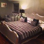 Cartmel Suite, massive bed
