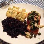 Arroz negro com salmão!