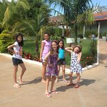 Mabe em Olímpia SP, na Pousada Tia Nena, com as mais novas amigas. Lugar maravilhoso, acolhedor.