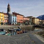 Blick auf die Promenade von Ascona wo das Hotel Piazza liegt