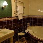 Bathroom room 93