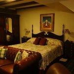 Room 93/junior suite