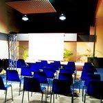 Salle pour les séminaires, conférences, anniversaires, remises, ...